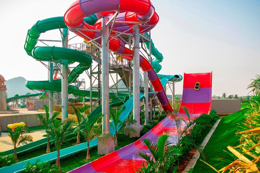 Boomerango-tube-slides