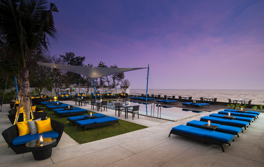 Amari-Hua-Hin---Shoreline-Beach-Club-Restaurant-(002)